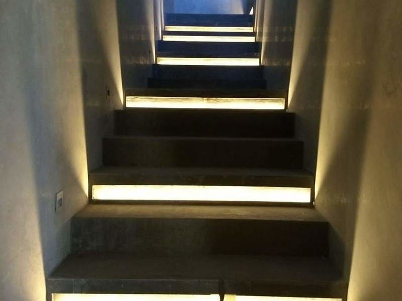 Iluminación de escalones y pasillos